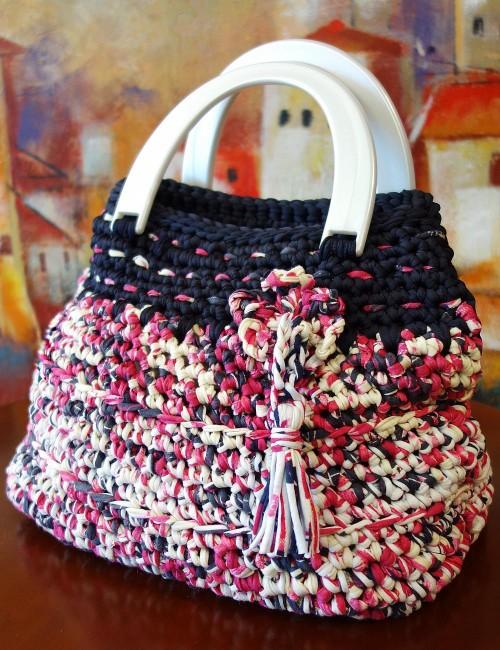 Handmade women knitted bag